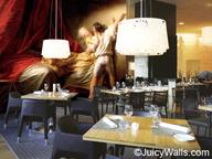 Restaurant mit Gemäldetapete